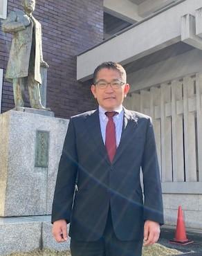 西内 健(にしうち けん)さん(1989年法卒)